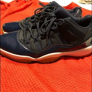 Men's jordan 11 lows navy gum sole